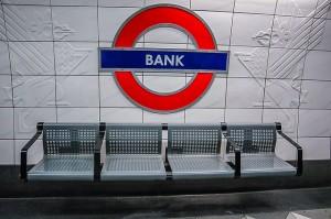 Bank sign financial advisors